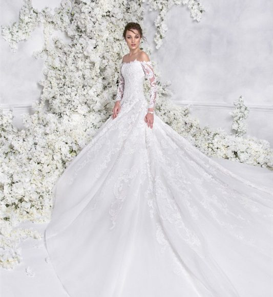فستان زفاف بالاكمام المتساقطة