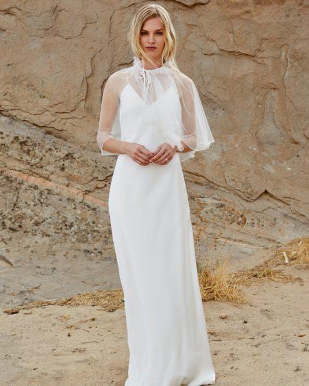 فستان زفاف بالاكمام المنسدلة
