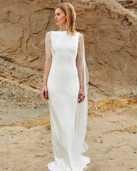 فستان زفاف بالكاب