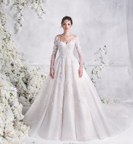 فستان زفاف منفوش