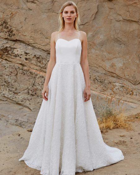 فستان زفاف منقوش