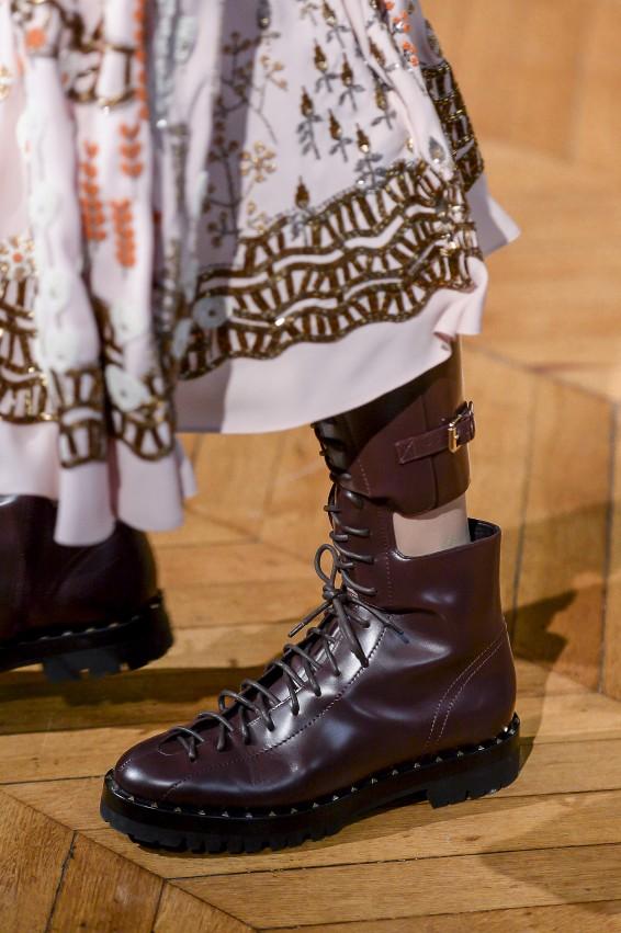 احذية-الكاحل-المسطحة