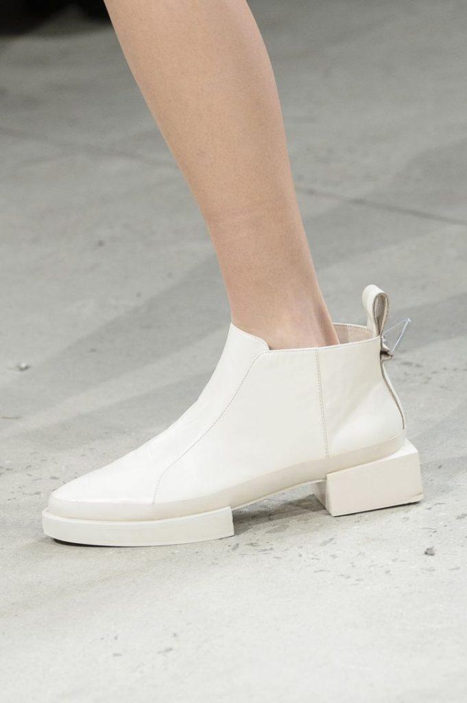 احذية-مسطحة-بيضاء