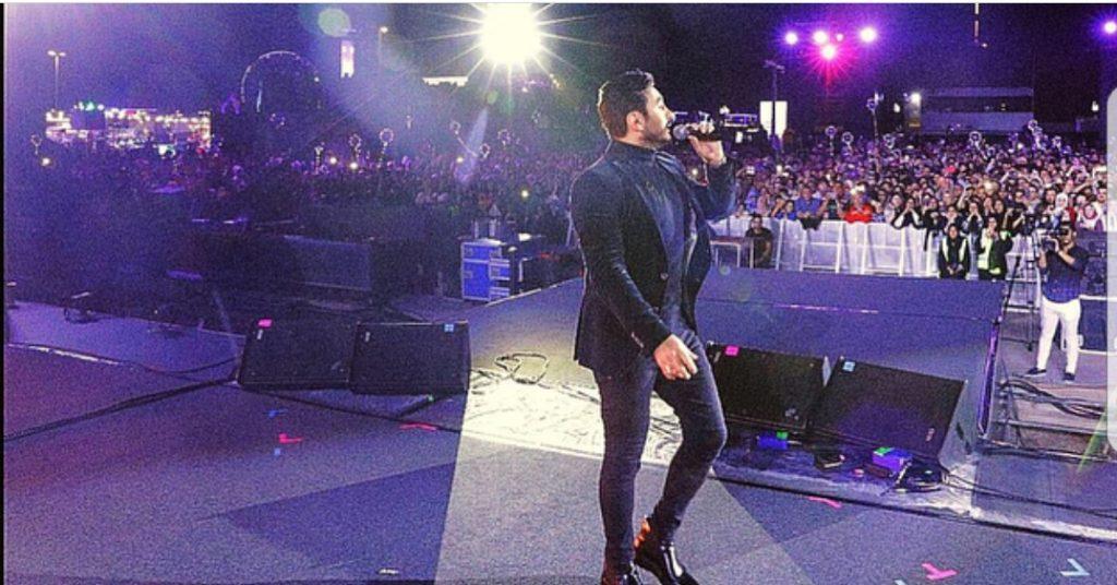 تامر-يغني-انا-مصري