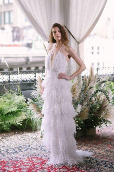 فستان-زفاف-بالشراشيب-من-الكسندرا-جيريكو