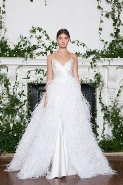 فستان-زفاف-بالشراشيب-من-مونيك لولييه