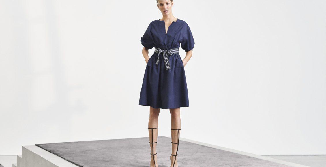 فستان أزرق قصير