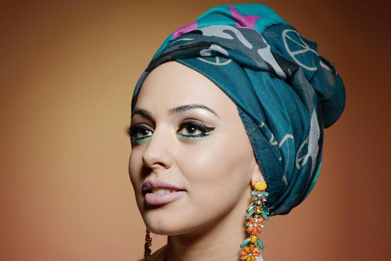 لفة حجاب مرفوعة