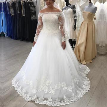 فستان زفاف طبقات