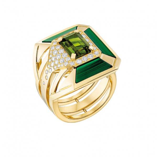 مجوهرات شانيل ذات الطابع الملكي5
