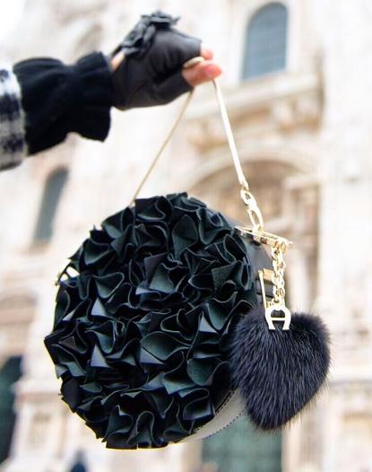 حقيبة-سوداء-للمناسبات