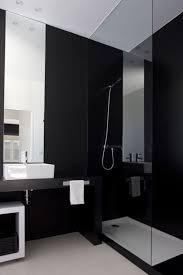 ديكورات حمامات باللون الاسود8
