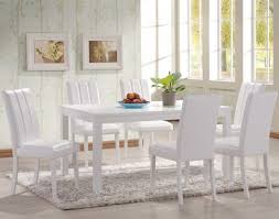غرف بيضاء للسفرة