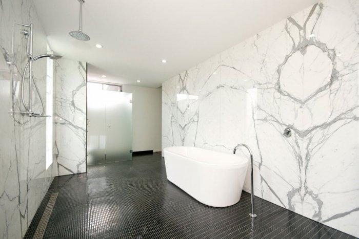 صور ديكورات حمامات من رخام6