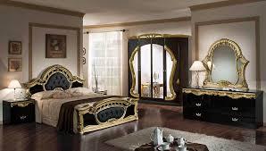 غرف نوم كلاسيك باللون الذهبي2