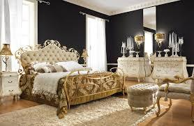 غرف نوم كلاسيك باللون الذهبي7