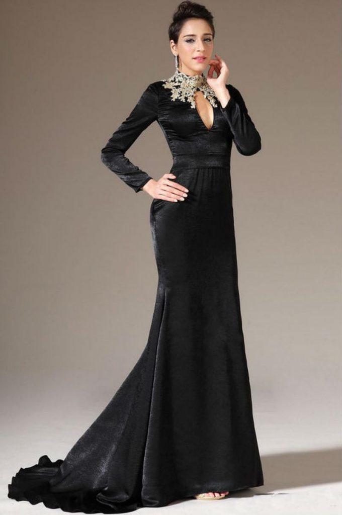 d725517c5d6c5 فستان من القطيفة الأسود بأكمام طويلة وقصة الزيل الطويل مطرز من عند الرقبة