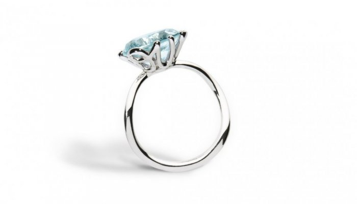 خاتم مرصع بالزبرجرد الازرق