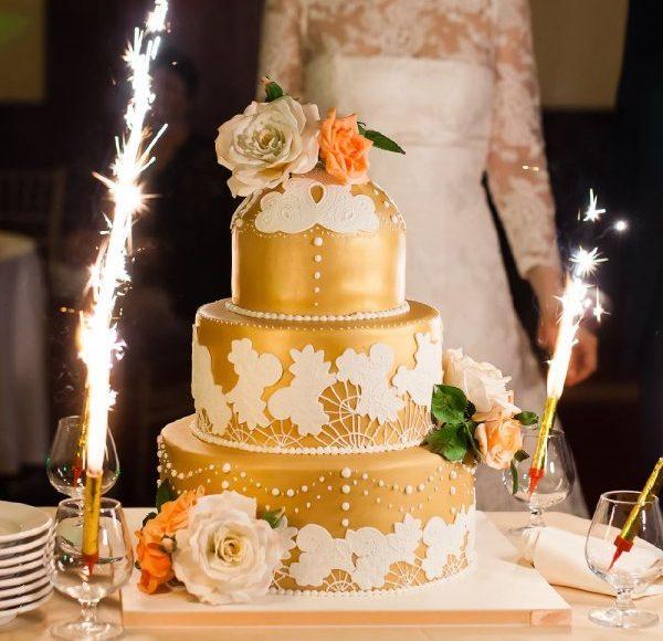 تصميم تورتة زفاف ذهبية
