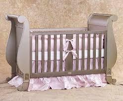 سرير حديثي الولادة