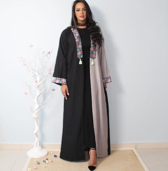 53cb3c1766c7f عبايات خليجية سوداء اماراتية 2018