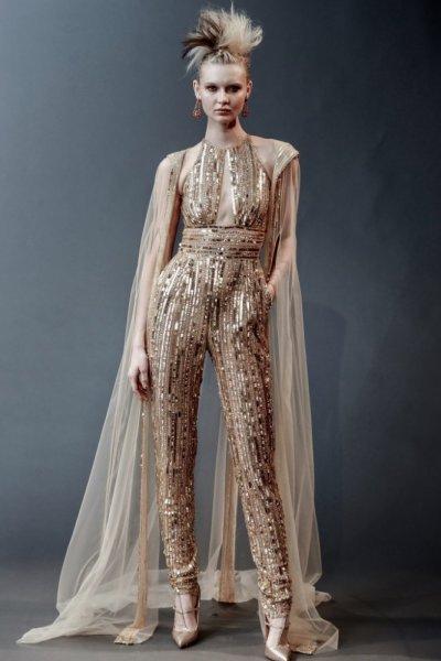 فستان-باللون-الذهبي-من-naaem-khan