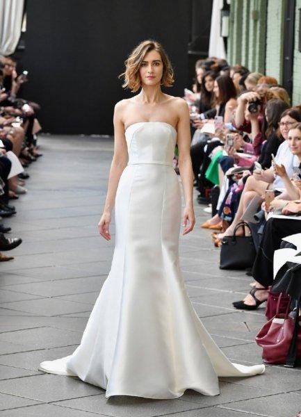 فستان-بدون-تطريز-من-amsale