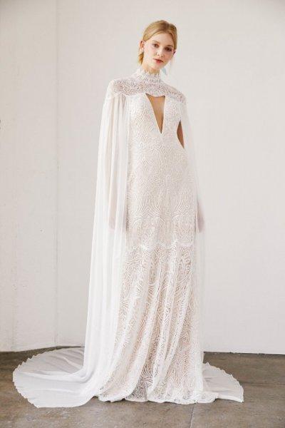 فستان-بصيجة-الكاب-الملكي-من-tadashi-shoji