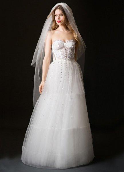 فستان-بصيحة-الكورسيه-من-temperley