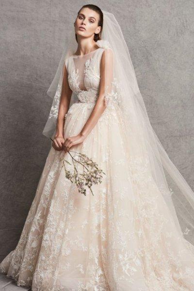 فستان-زفاف-أوف-وايت