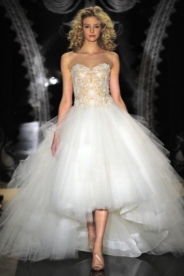 فستان-منفوش-قصير-من-الأمام