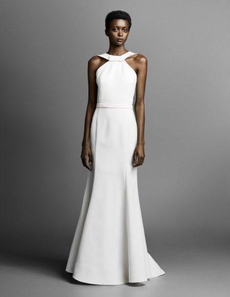 فستان بدون تطريز