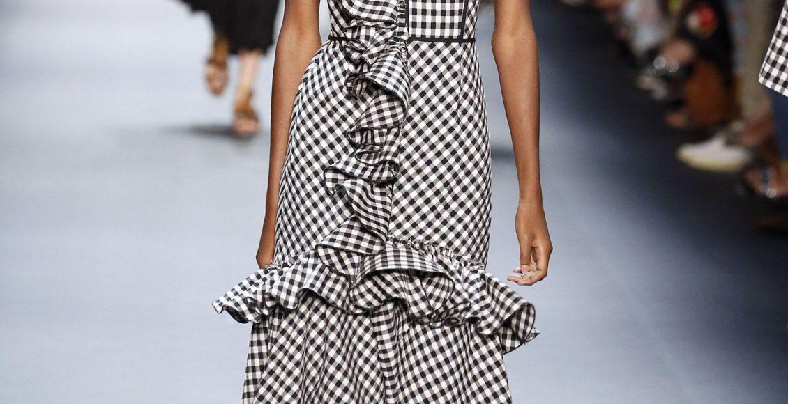 فستان قصير مقلم