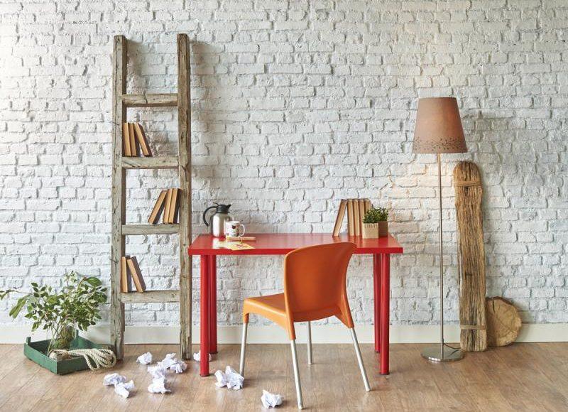 ورق الجدران بالشكل الطوبي