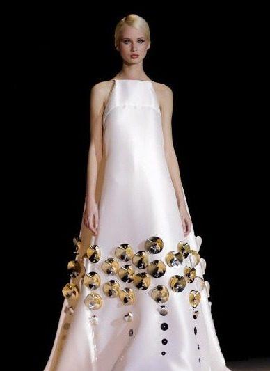 فستان-مطرز-من-stephane-rolland