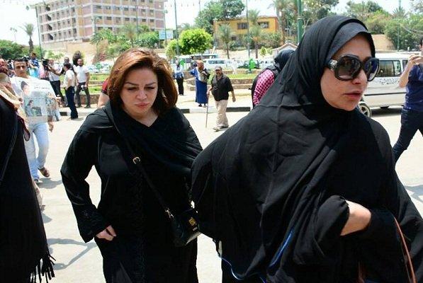 إلهام-شاهين-وليلى-علوي-في-الجنازة