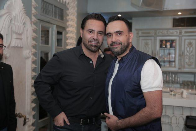 فارس-الغناء-العربي-والمنتج-ومتعهد-الحفلات-علي-الأتات