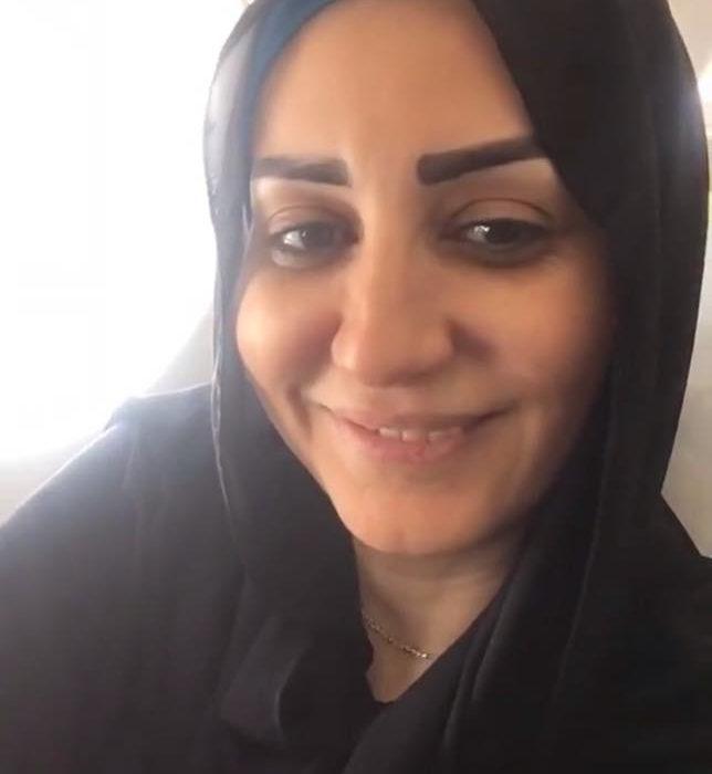 وفاء تسافر لاداء مناسك العمرة