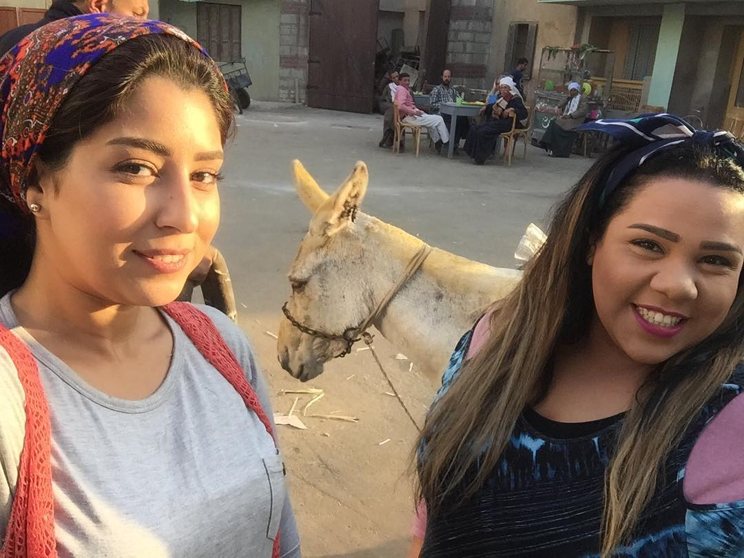 شيماء سيف و آيتن عامر في بيكيا