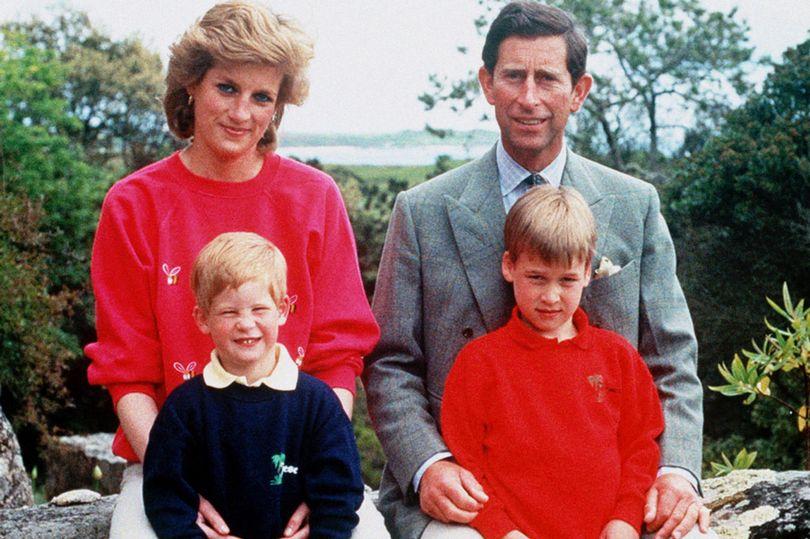 الاميرة-ديانا-مع-زوجها-وابنائها
