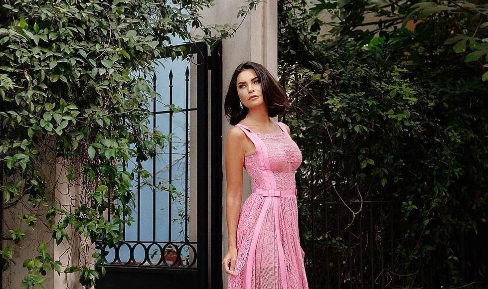 مريم بفستان من زهير مراد