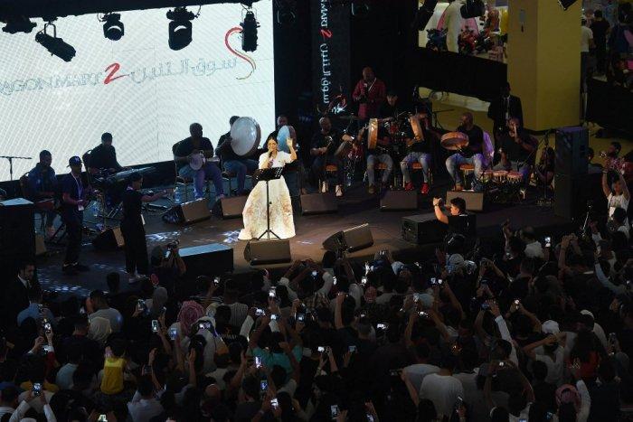 صور من حفل الفنانة بلقيس فتحي في دبي