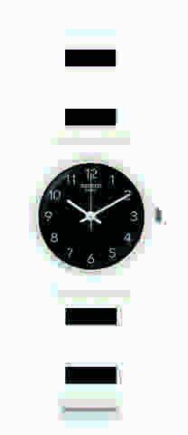 ساعة سوداء انيقة