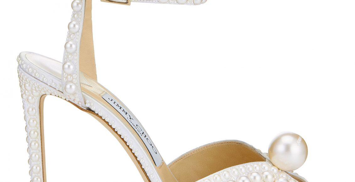 حذاء من علامة جيمي تشو