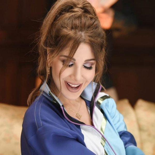 نانسي-من-اغنية-بدنا-نولع-الجو