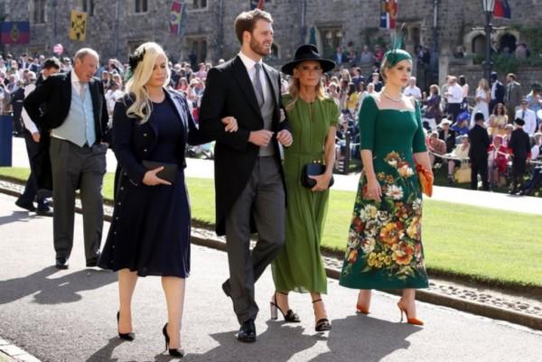 الأمير-لويس-سبنسر-مع-والدته-وأخواته-في-زفاف-الأمير-هاري-وميجان-ميركل