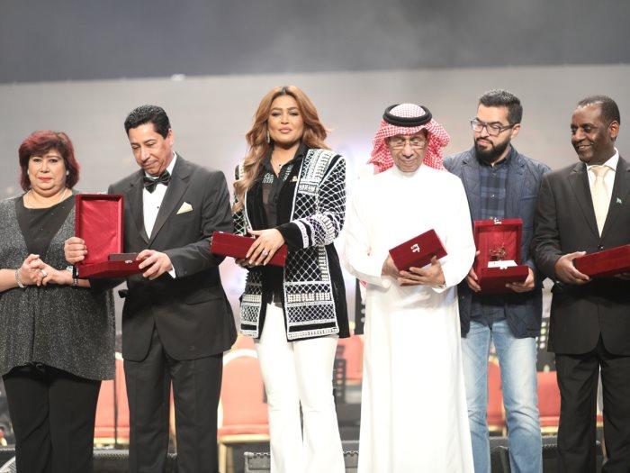 جانب-من-التكريمات-بحضور-المطربة-وعد-السعودية