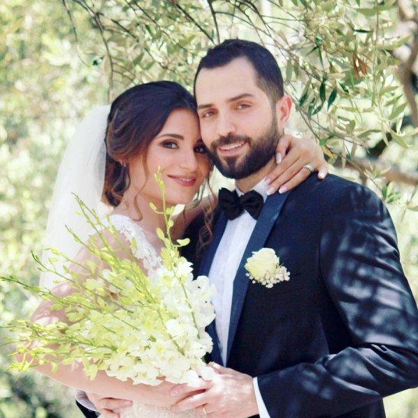 محمد-باش-مع-زوجته
