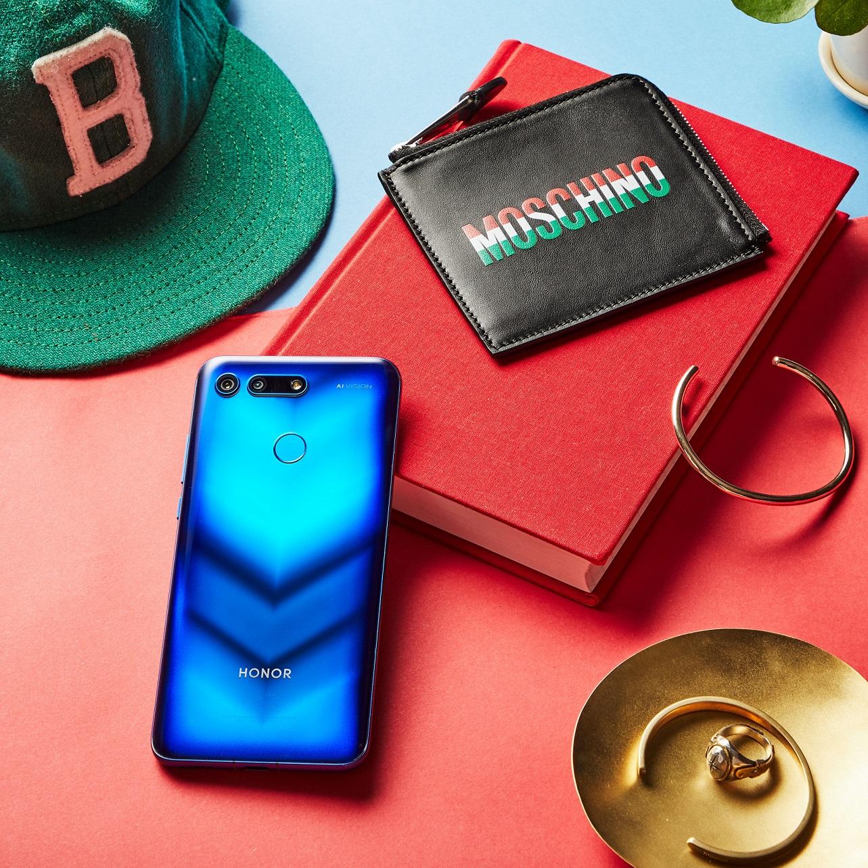 هاتف هونر فيو 20 باللون الأزرق