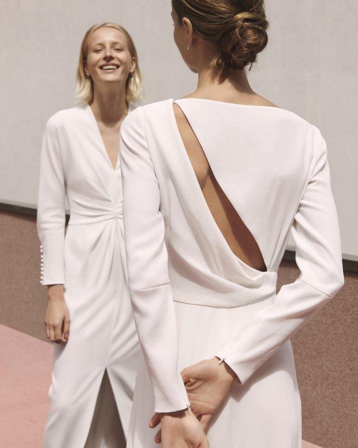ماكس مارا تعيد تصميم مجموعة خاصة لفساتين الزفاف